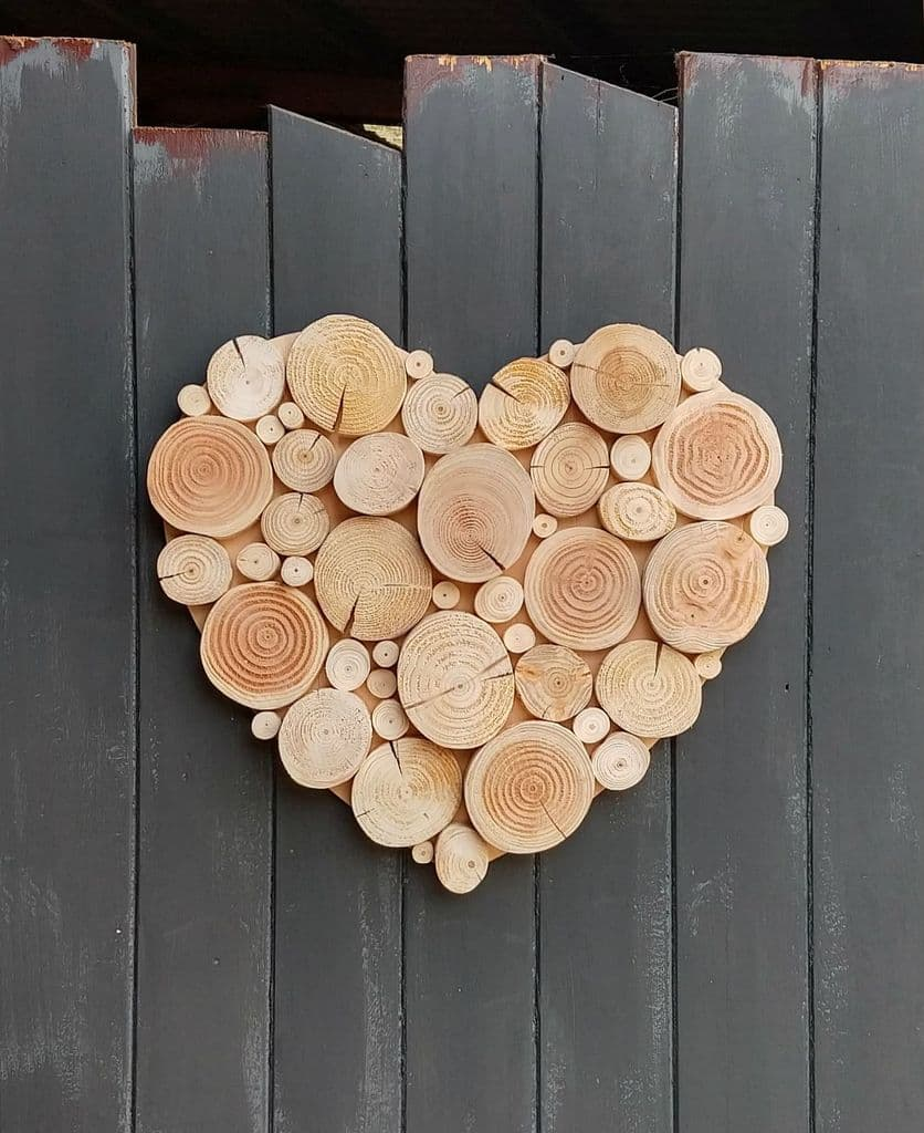 Log Wall Art - HEART MOSAIC in NATURAL WOOD