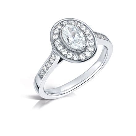 GIA Certified G VS Diamond cluster ring, Platinum. Oval centre stone - 1.50ct