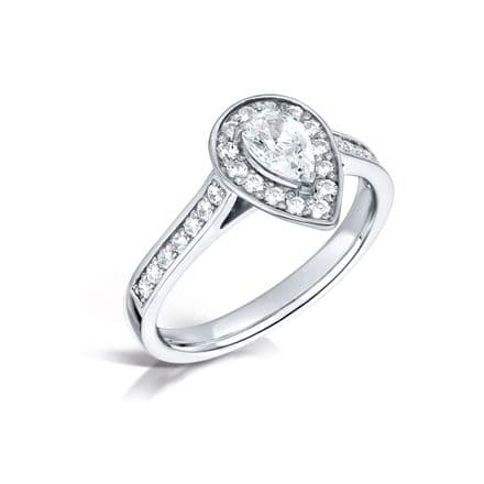 GIA Certified G VS Diamond cluster ring, Platinum. Pear centre stone - 0.80 carat