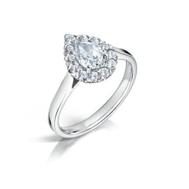 GIA Certified G VS Diamond cluster ring, Platinum. Pear centre stone - 0.80ct