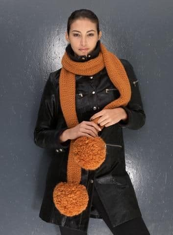 ANDINA SCARF with POMPOMS Free Pattern