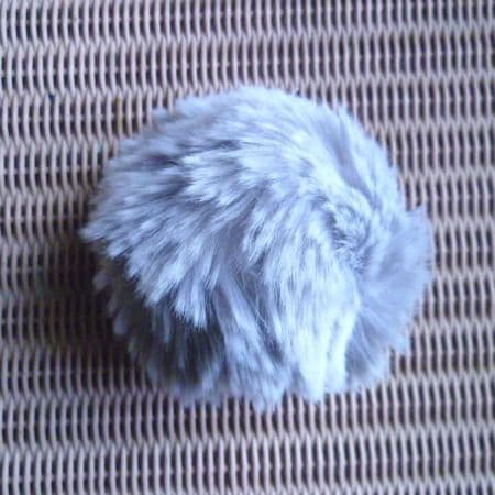 Lang Yarns Fun Fur POMPOM 12 cm pale grey