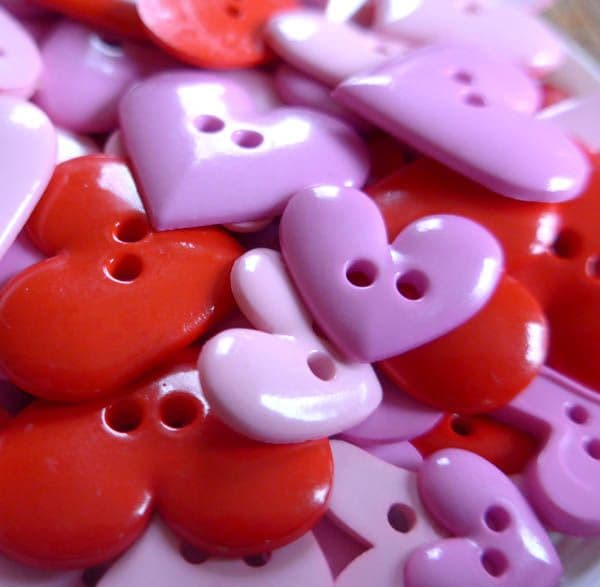 Heart Assorted Red & Pink Mixed Buttons REDUCED