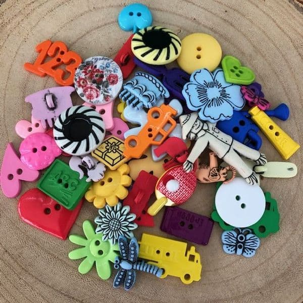 Assorted Novelty Shaped Button Pack