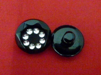 G992 Diamante Button